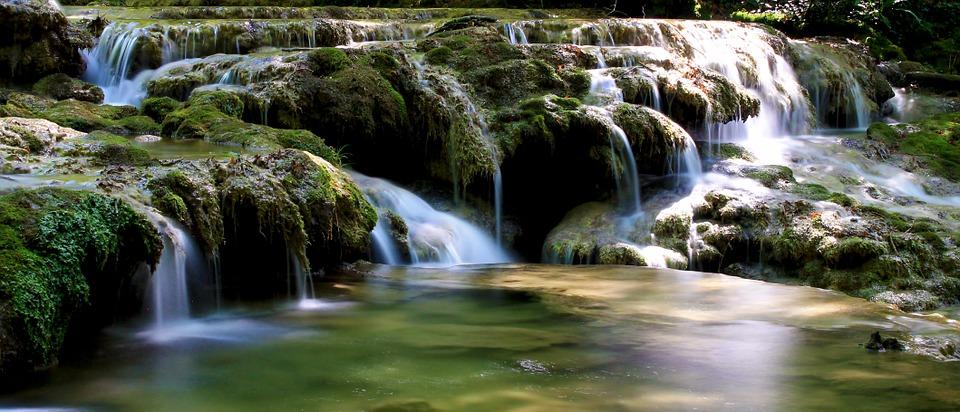 cascade-888593_960_720.jpg