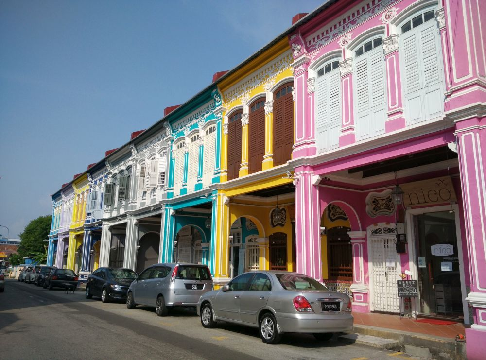 These shophouses are nearly a century old, but they've been spruced up for the 21st century.