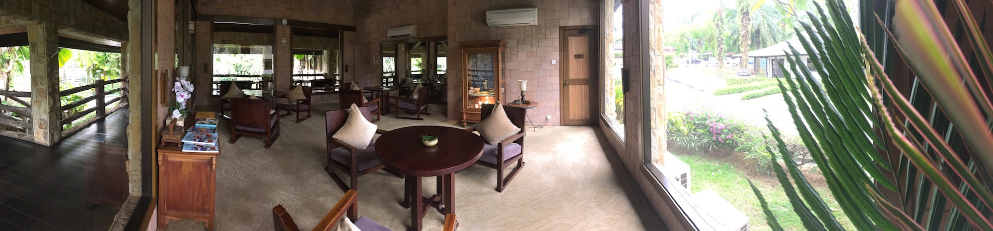 The waiting area of the Sembunyi spa. Wafts of ginger scent filled this room ... ah.
