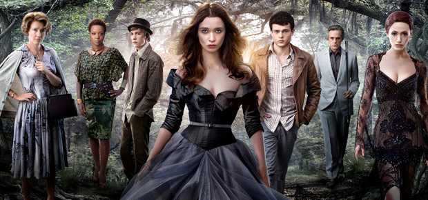 Hollywood naturally adapted 'Beautiful Creatures' into a movie.