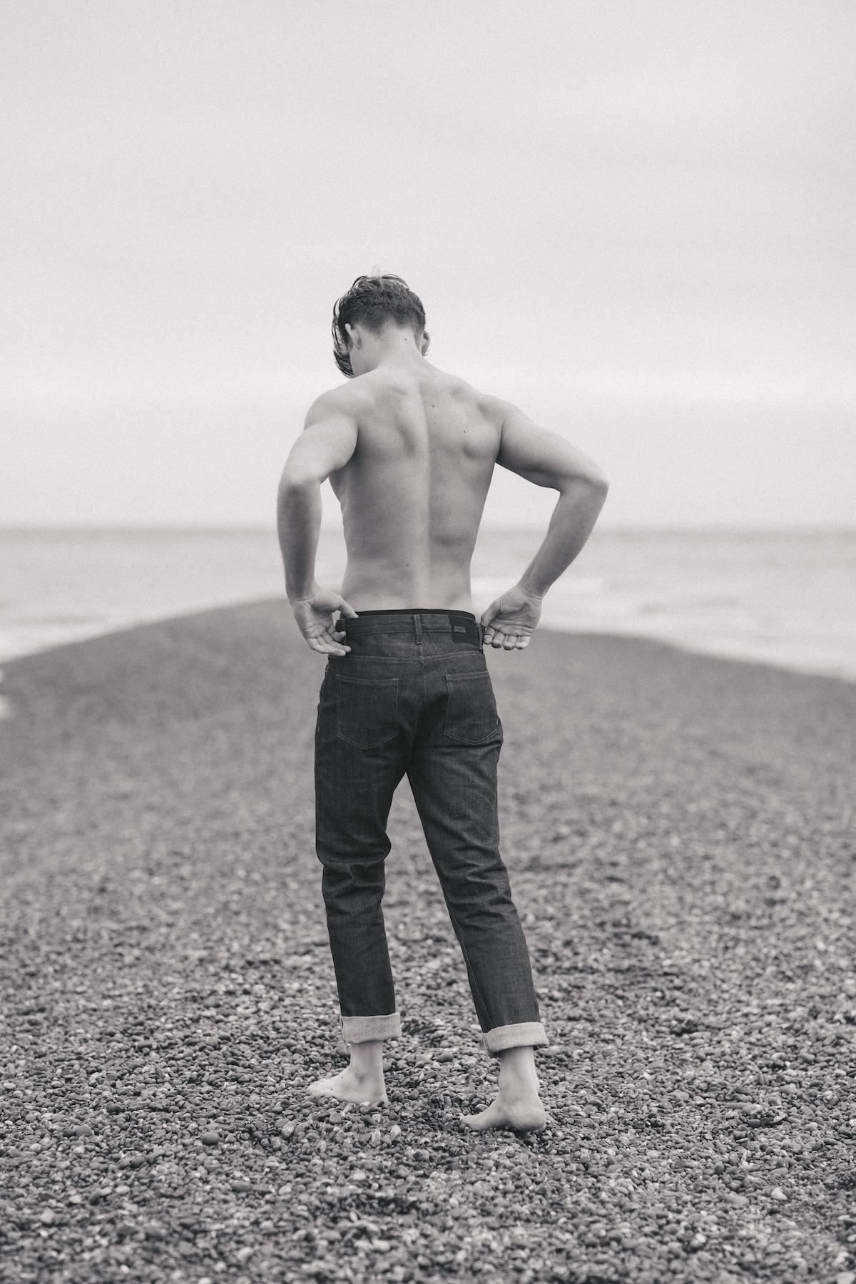 dan_j_williams_denim_jeans_seaside_unravel_productions_001.jpg