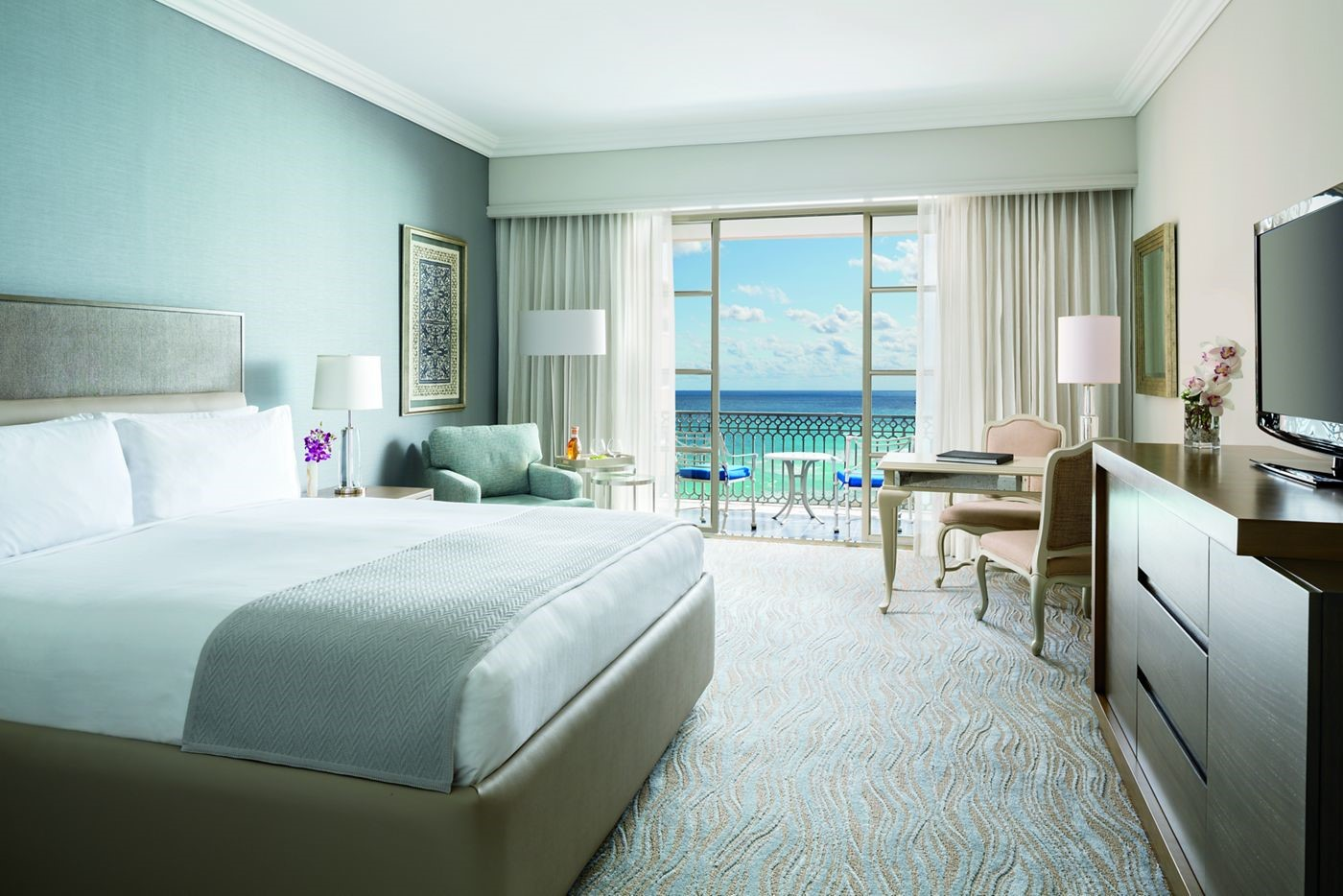Ritz Carlton Cancun on sale now from EnjoyVacationing.com
