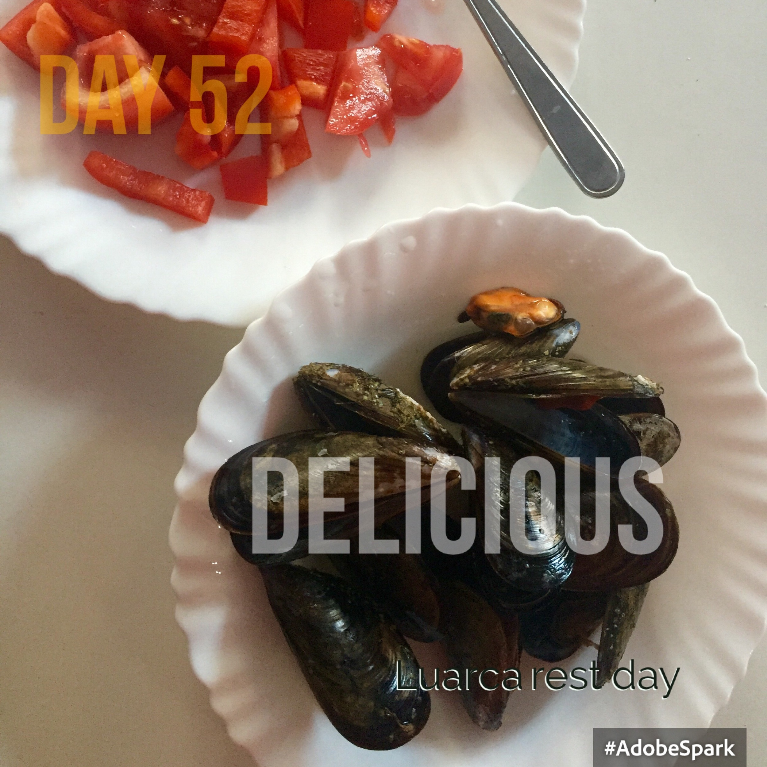 Fresh mussels and pepper salad