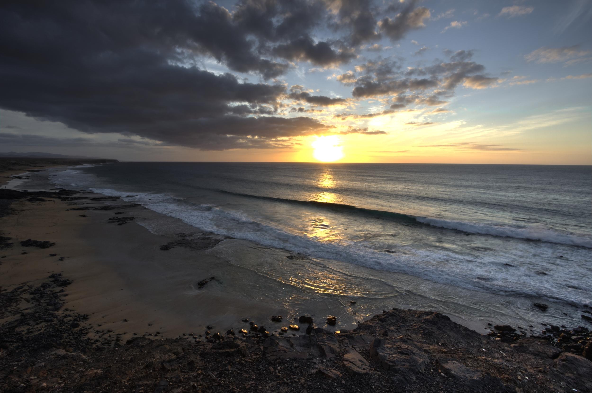 Day2_ElCotillo_Sunset.jpg