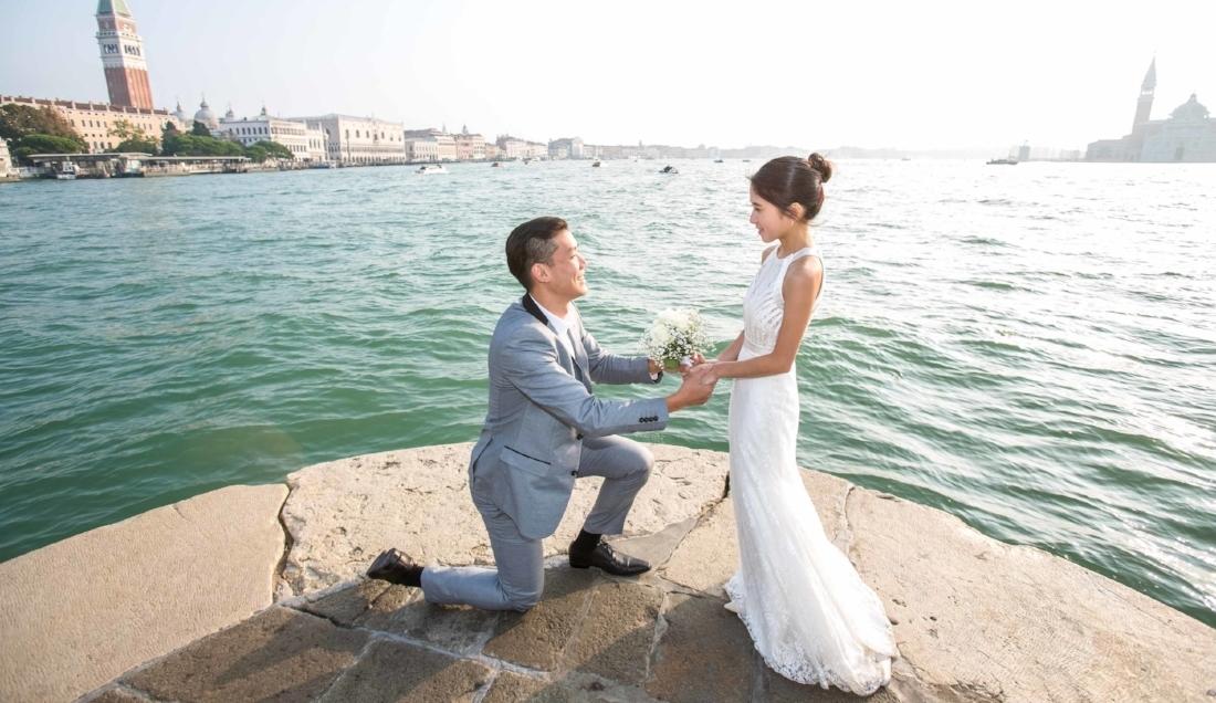 Honeymoon photographer in Venice