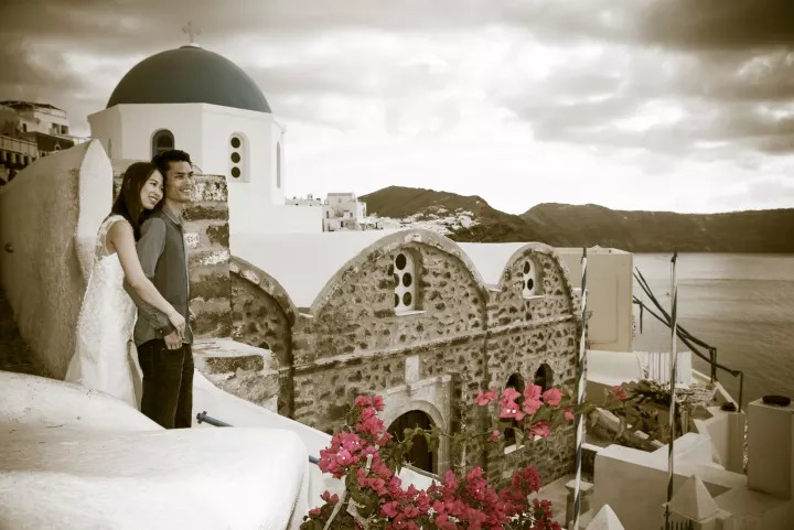 Affordable photographer in Santorini