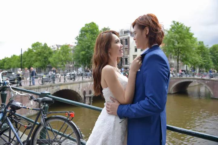 Honeymoon photographer in Amsterdam