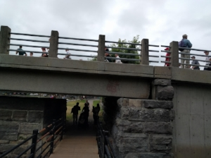runners-bridge.jpg