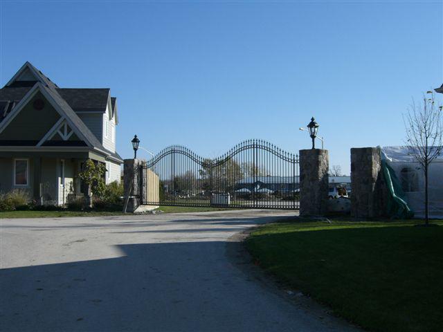 gates 10-Nov-07.jpg