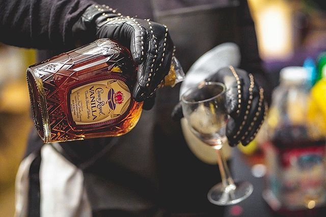 Pour up! . . Had a great time shooting the @cognaccarsandcigars event last night! Shout out to all the lovely people that came out! You did an amazing job @carolineauburn ! We started from the botttom now we here! 😂. On to the next one! . . . . . . . . @crownroyal  #swag #withhumans #microinfluencer #alphacollective #a7iii #lifestyleblogger #bestlife #sonyalpha #mixology #live #fatalframes #memphis #party #cocktail #sonyworldclub #event  #liquor #style #cognac #drinks #eventphotography #memphisphotographer