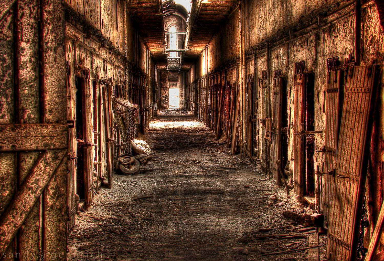 Hallway HDR.jpg