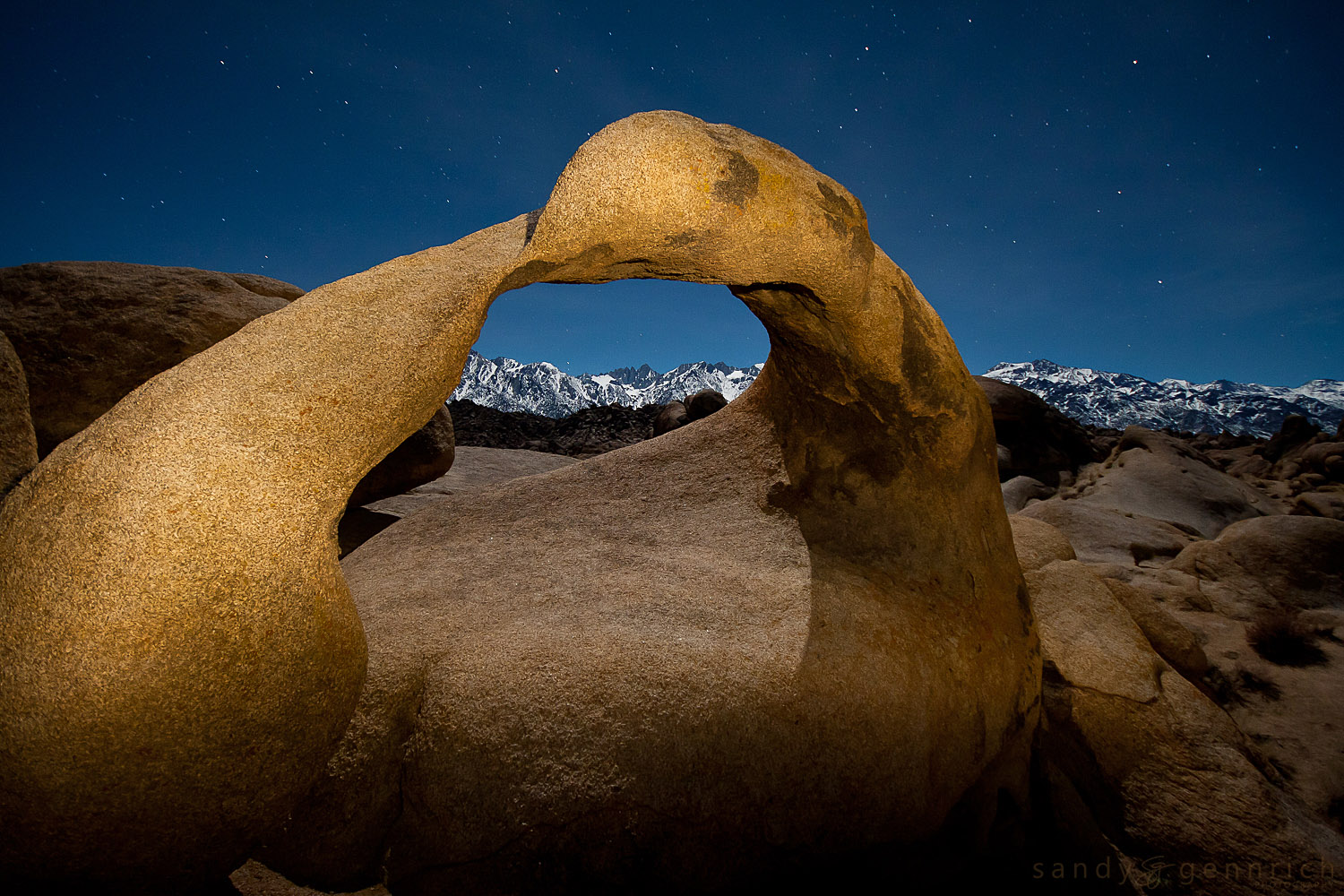 Clear Night in the Sierras - Mobius Arch - Alabama Hills - Lone