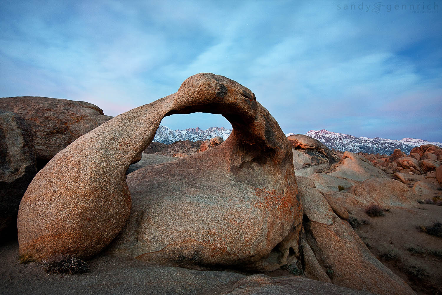 Mobius in the Morning - Alabama Hills - Lone Pine - CA
