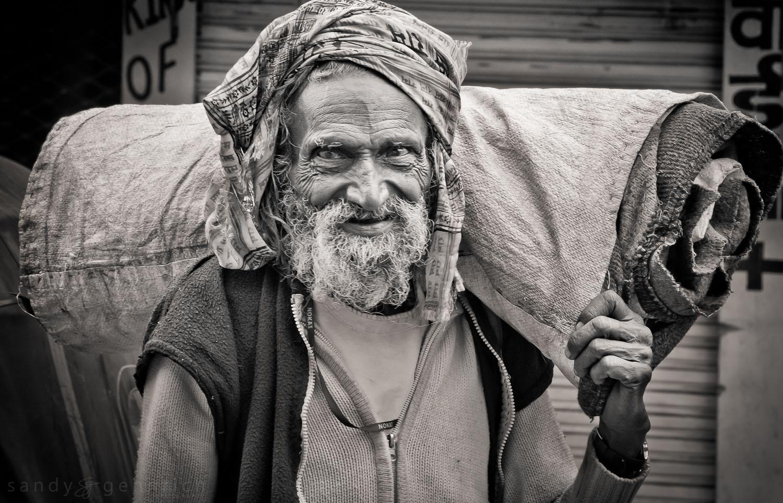 Man with Carpet - Udaipur - Rajastan - India.jpg