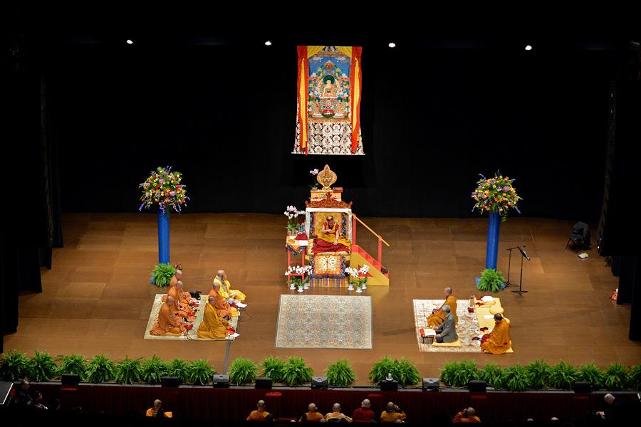 Dalai lama 2014-10-30-Boston-G04.jpg
