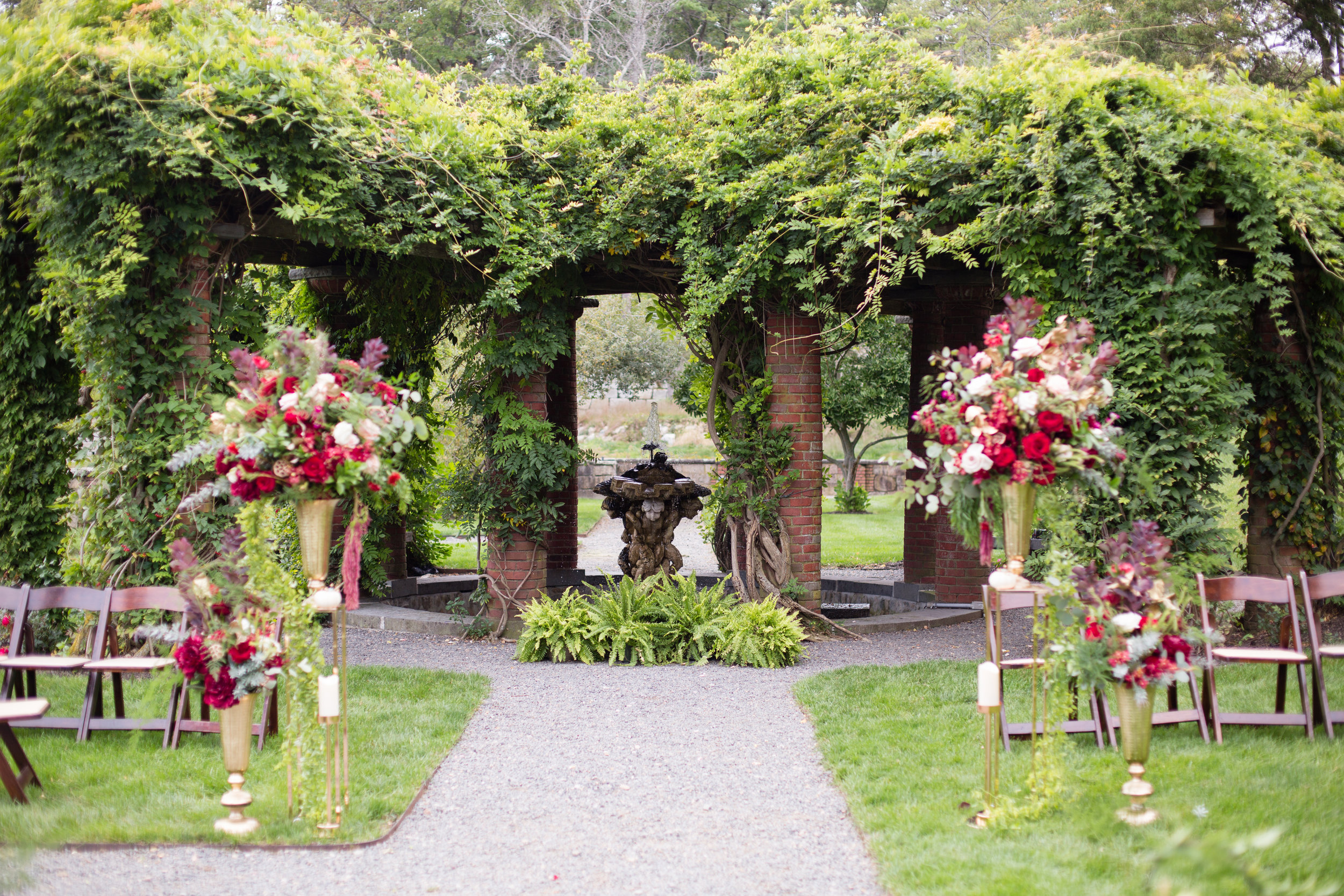 Ceremony space @themansiononturnerhill. Image by @carlymphotography