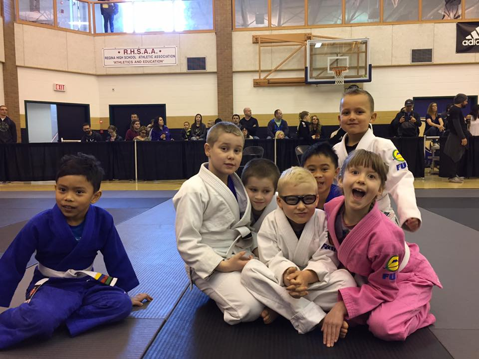Our kid competitors - minus Sophie who is hiding behind everyone to evade the group photo