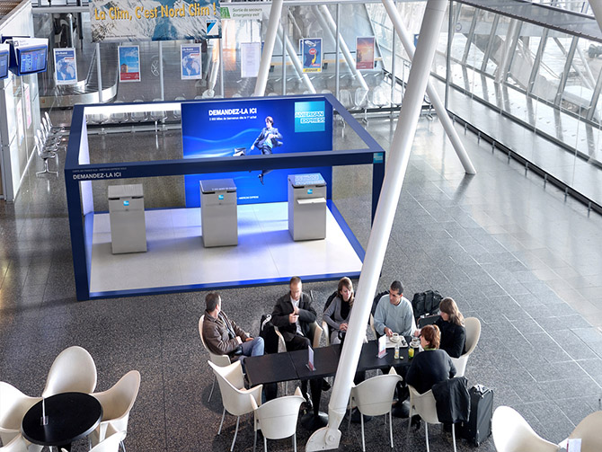 stand exposition narrative design stand aéroports american express 03.jpg
