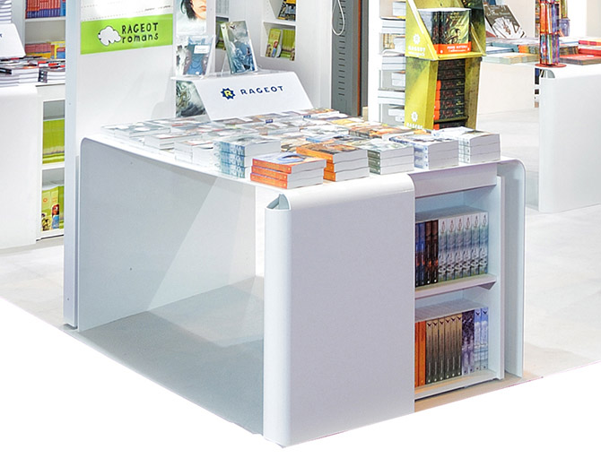 stand exposition narrative le stand Hatier salon livre 6.jpg