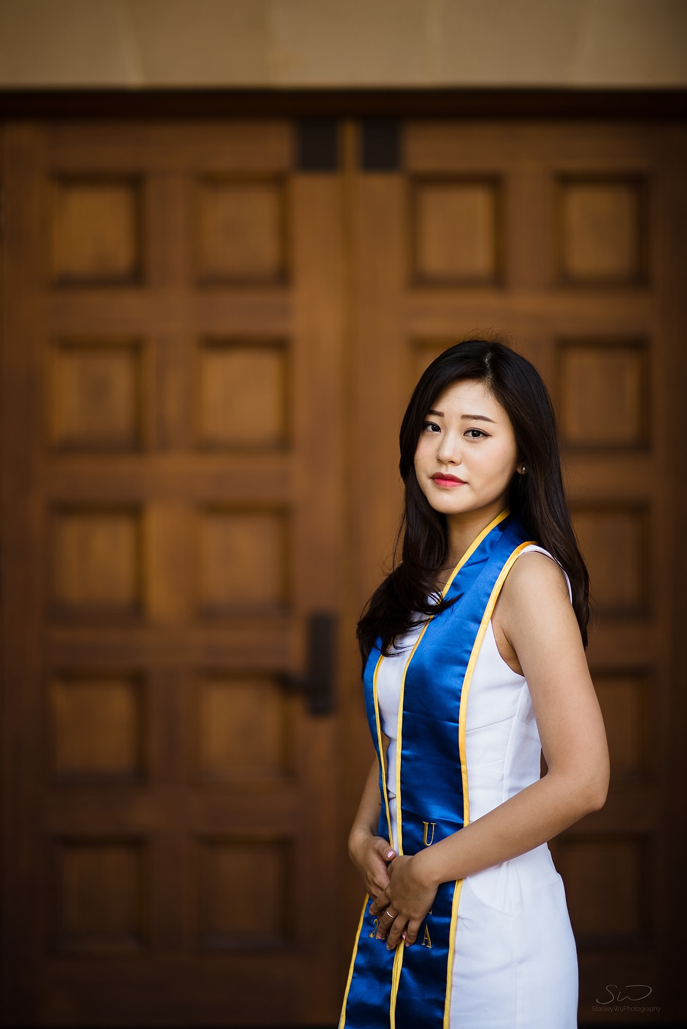 beautiful graduation senior portrait of a korean girl at ucla in los angeles