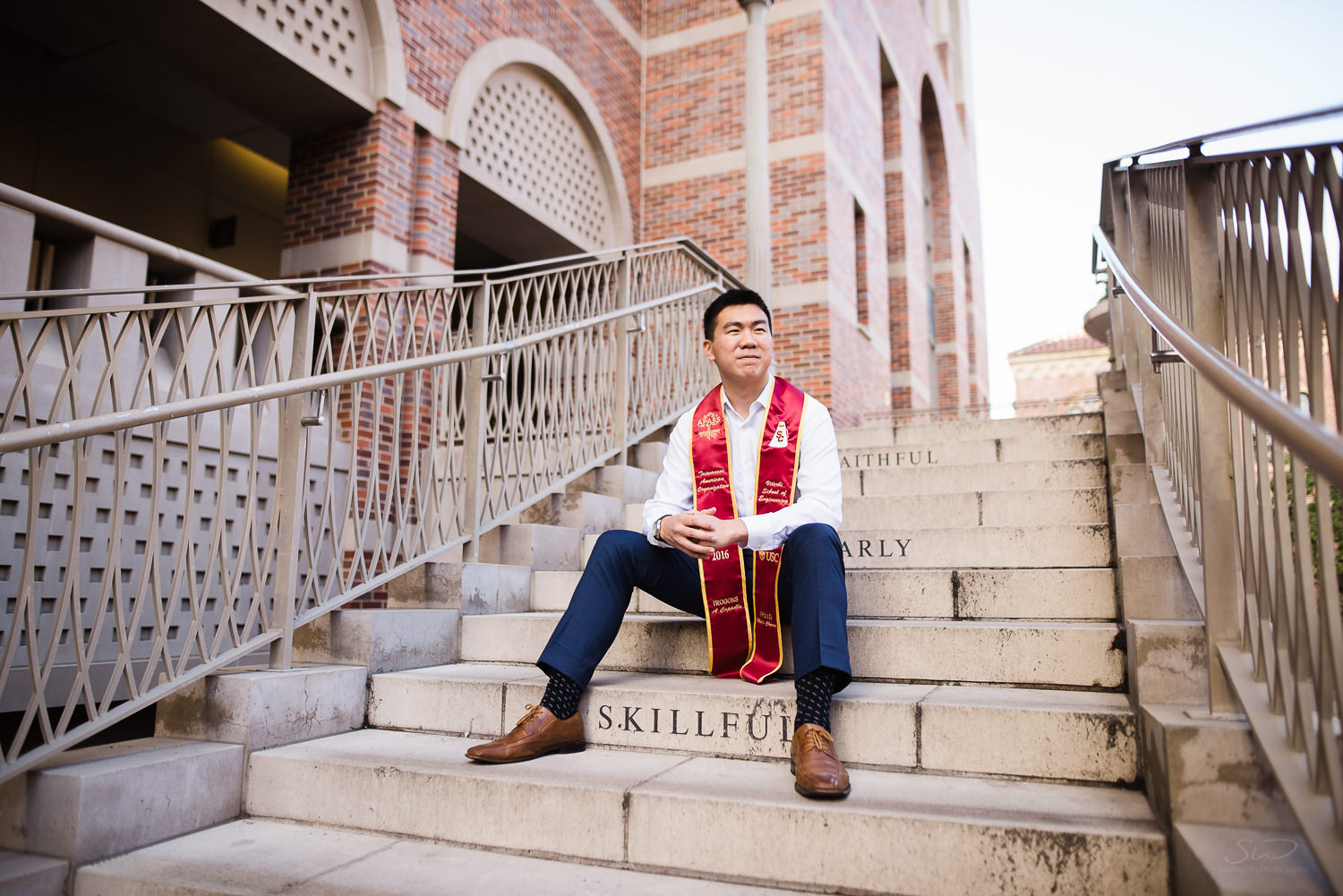 USC college senior graduate sitting on steps of Troy by Stanley Wu Photography | Los Angeles Portrait & Wedding Photographer