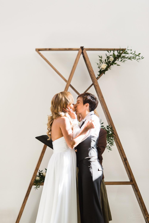 love-wins-out-los-angeles-highland-park-wedding-photography-york-manor-20.jpg
