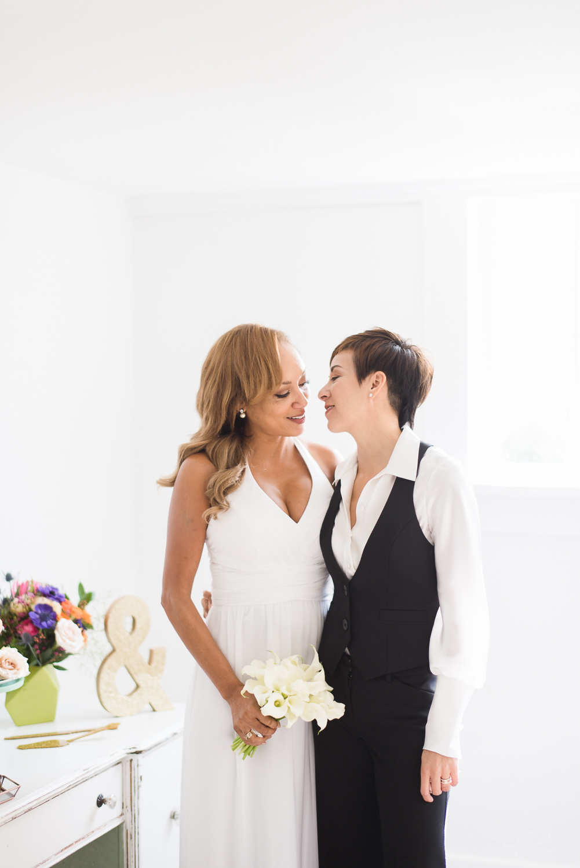 love-wins-out-los-angeles-highland-park-wedding-photography-york-manor-23.jpg