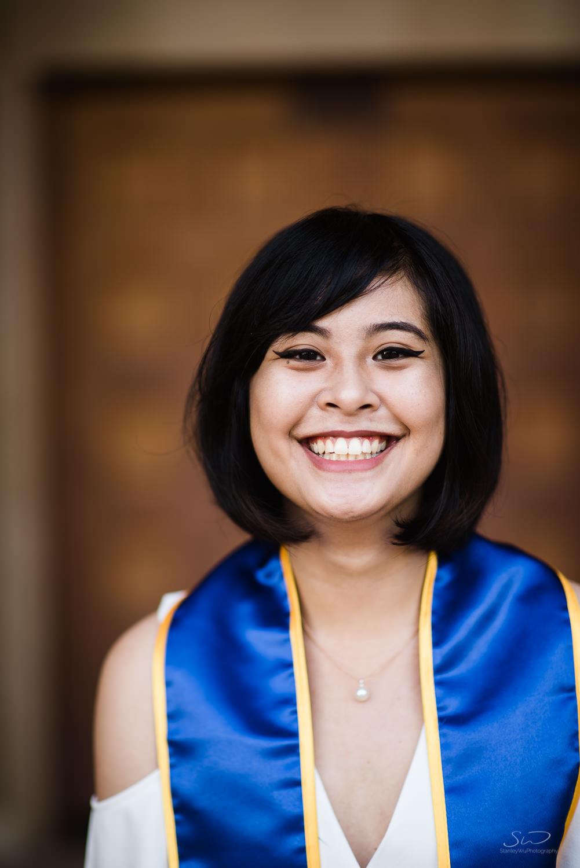 Copy of Copy of portrait of a smiling college senior | Stanley Wu Photography | Los Angeles | Graduation Portraits | UCLA, USC, LMU, Pepperdine, CSULA, CSUN, CSULB, UCI, UCSD