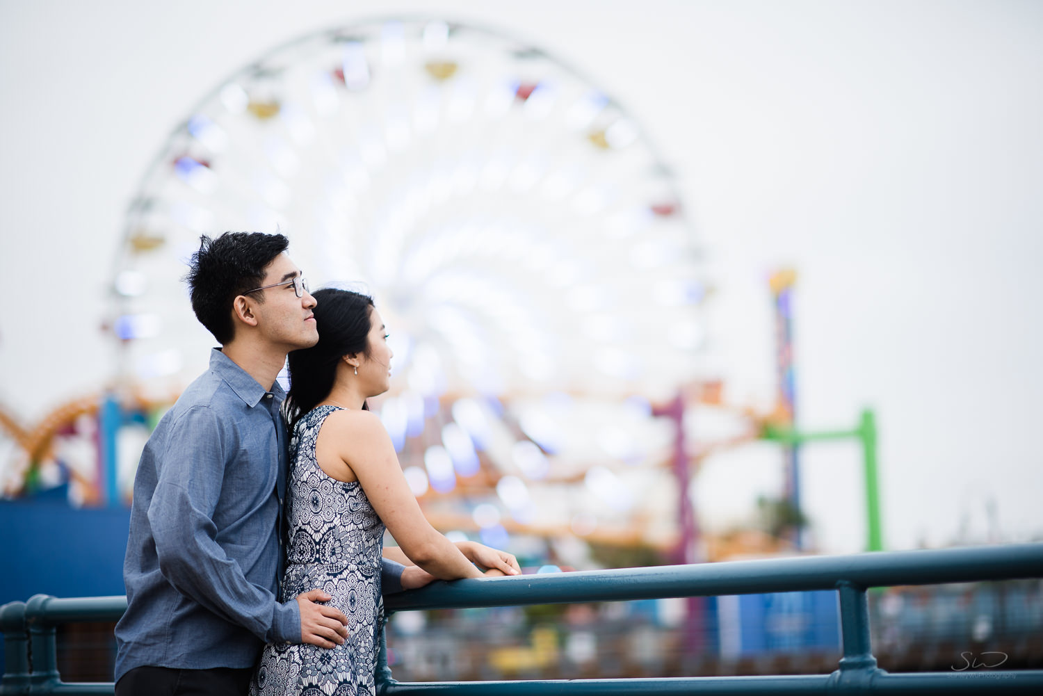 downtown-santa-monica-pier-and-beach-engagement-stanley-wu-photography-los-angeles-portrait-and-wedding-photographer-45.jpg