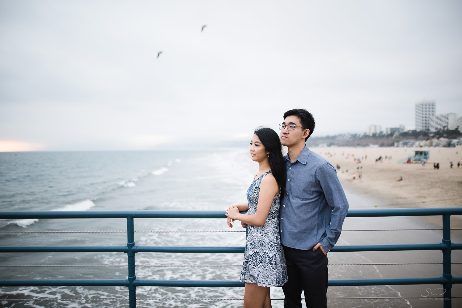 downtown-santa-monica-pier-and-beach-engagement-stanley-wu-photography-los-angeles-portrait-and-wedding-photographer-48.jpg
