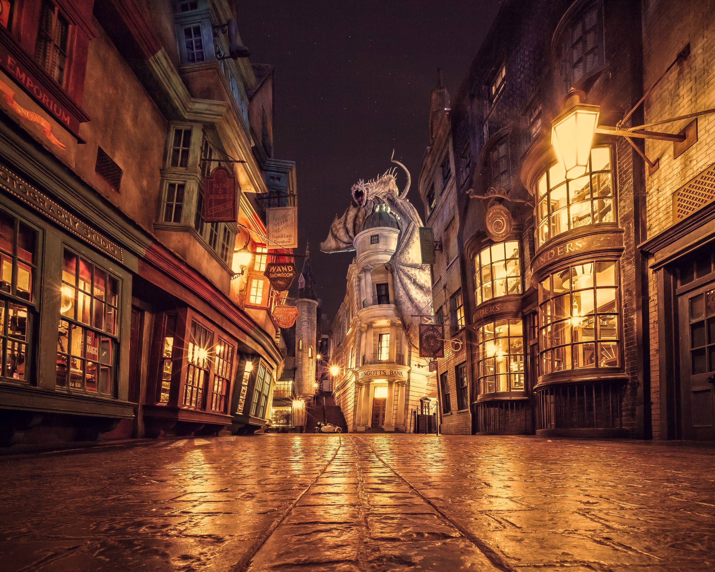 Pic by  @GilmarSmith   Universal Studios' Wizarding World of Harry Potter -- Diagon Alley