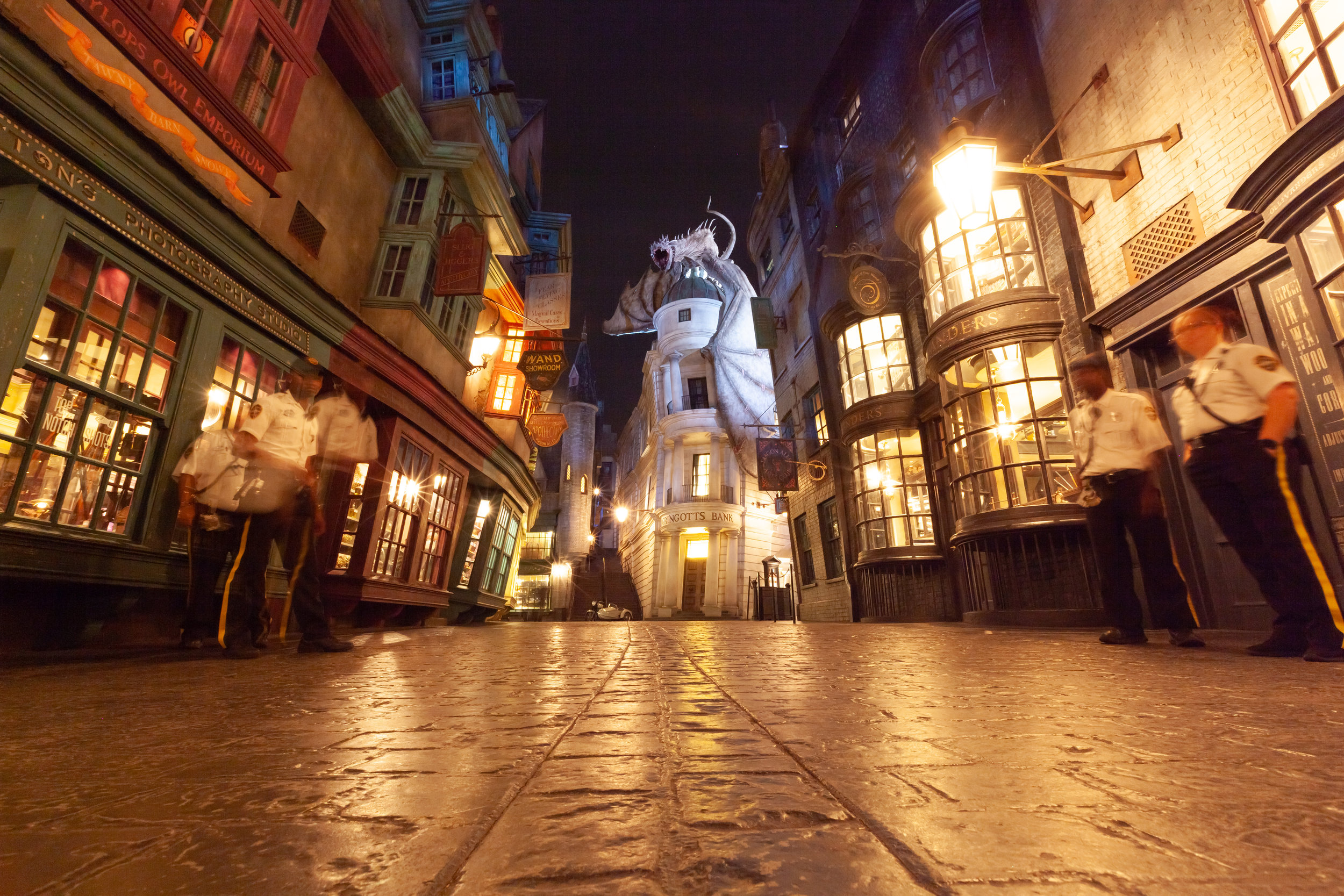 Thanks to my Platypod Ultra, I was able to get the shot I was dreaming about with the perfect low angle that draws you straight into The Wizarding World of Harry Potter.
