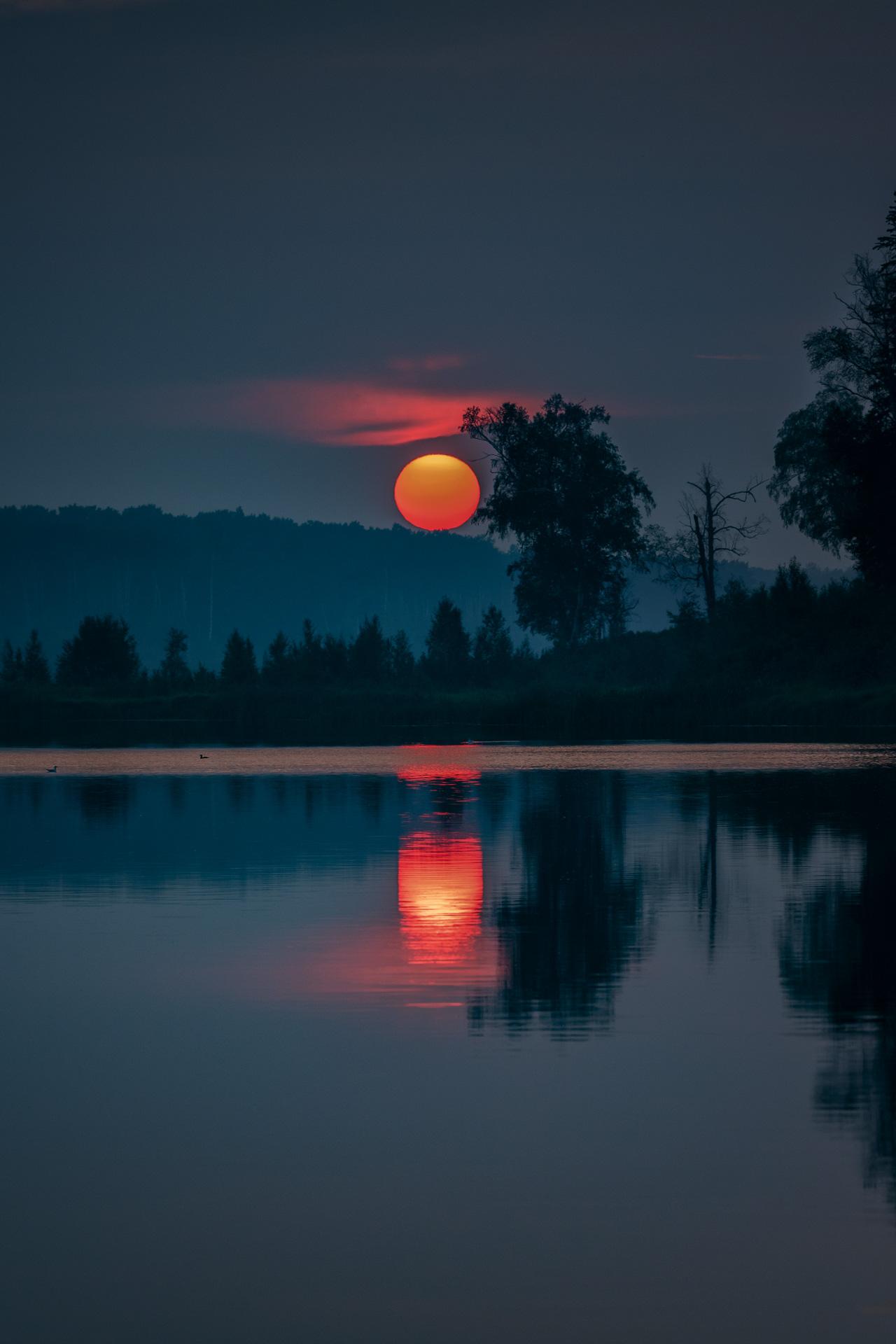 A smoky sunset near Edmonton, Alberta.jpg