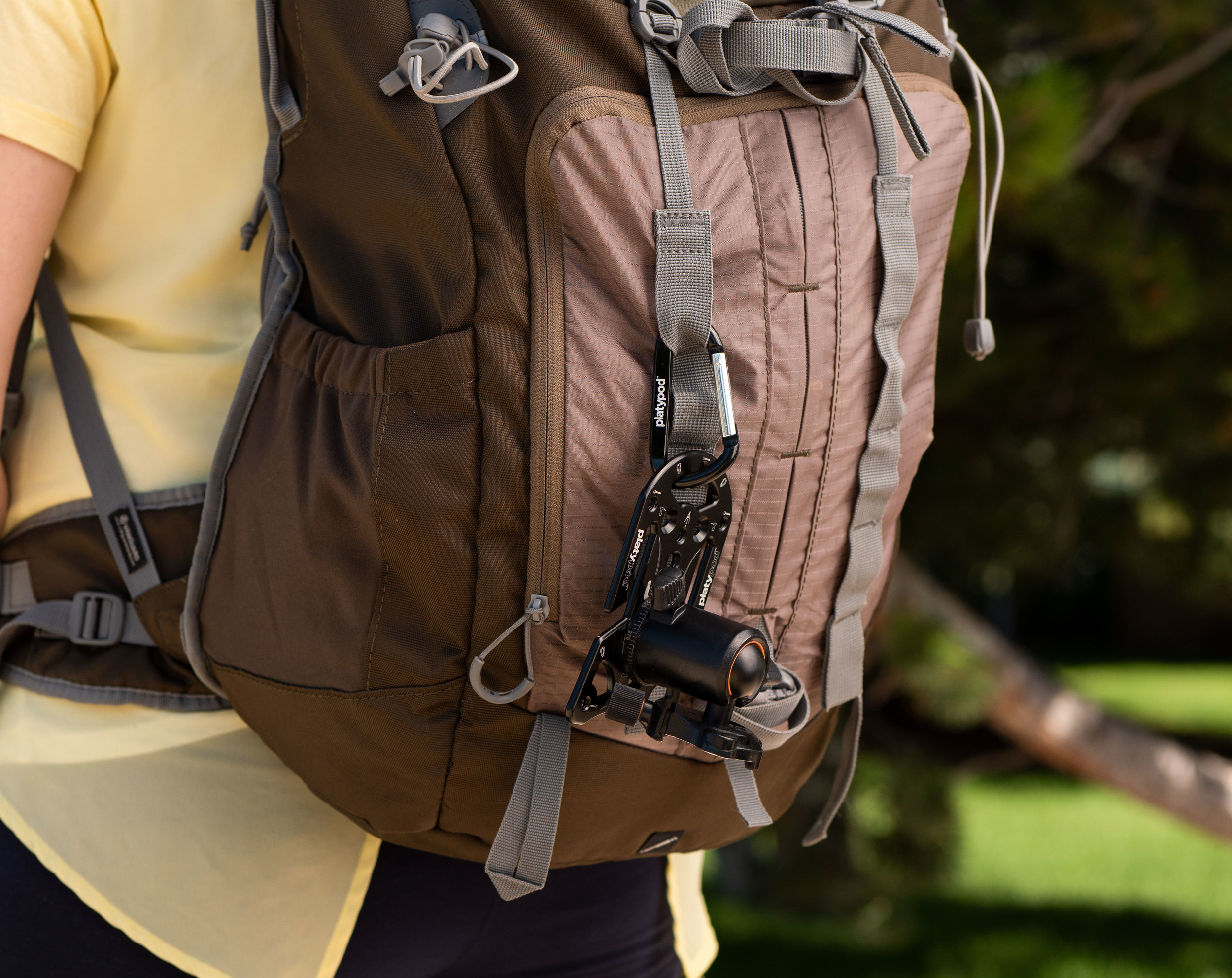 Light and discreet - Effortlessly slips into the side or back pocket of camera bags without sacrificing room for a lens or flash