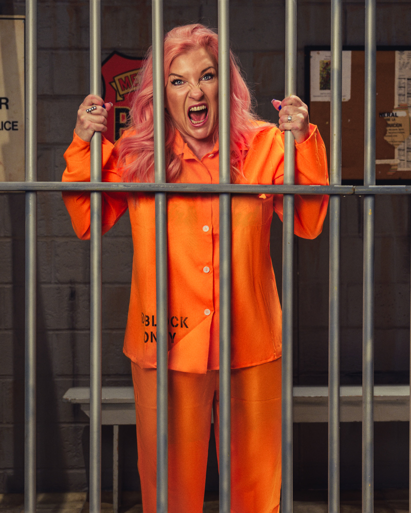 Cathy Baitson in Gilmar's jail set