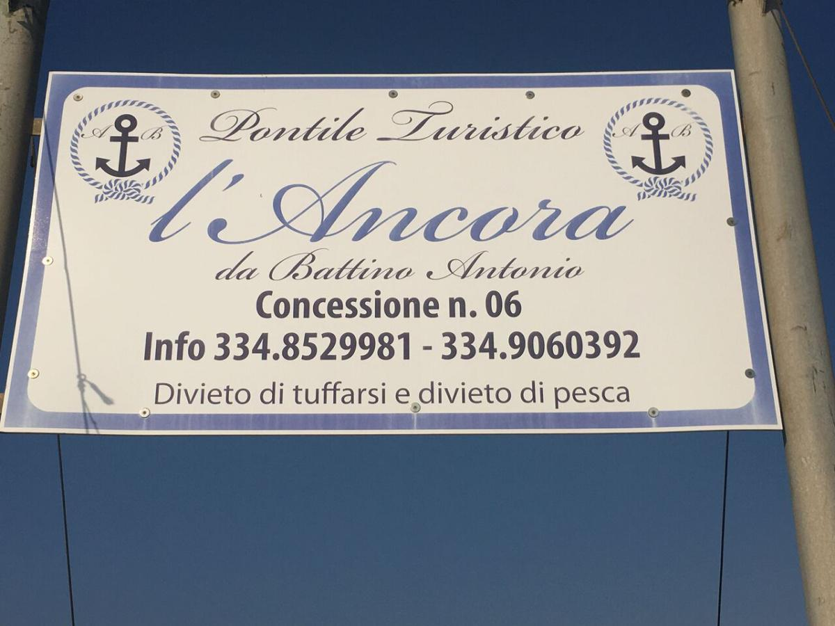 L' ANCORA PONTILE TURISTICO.jpg