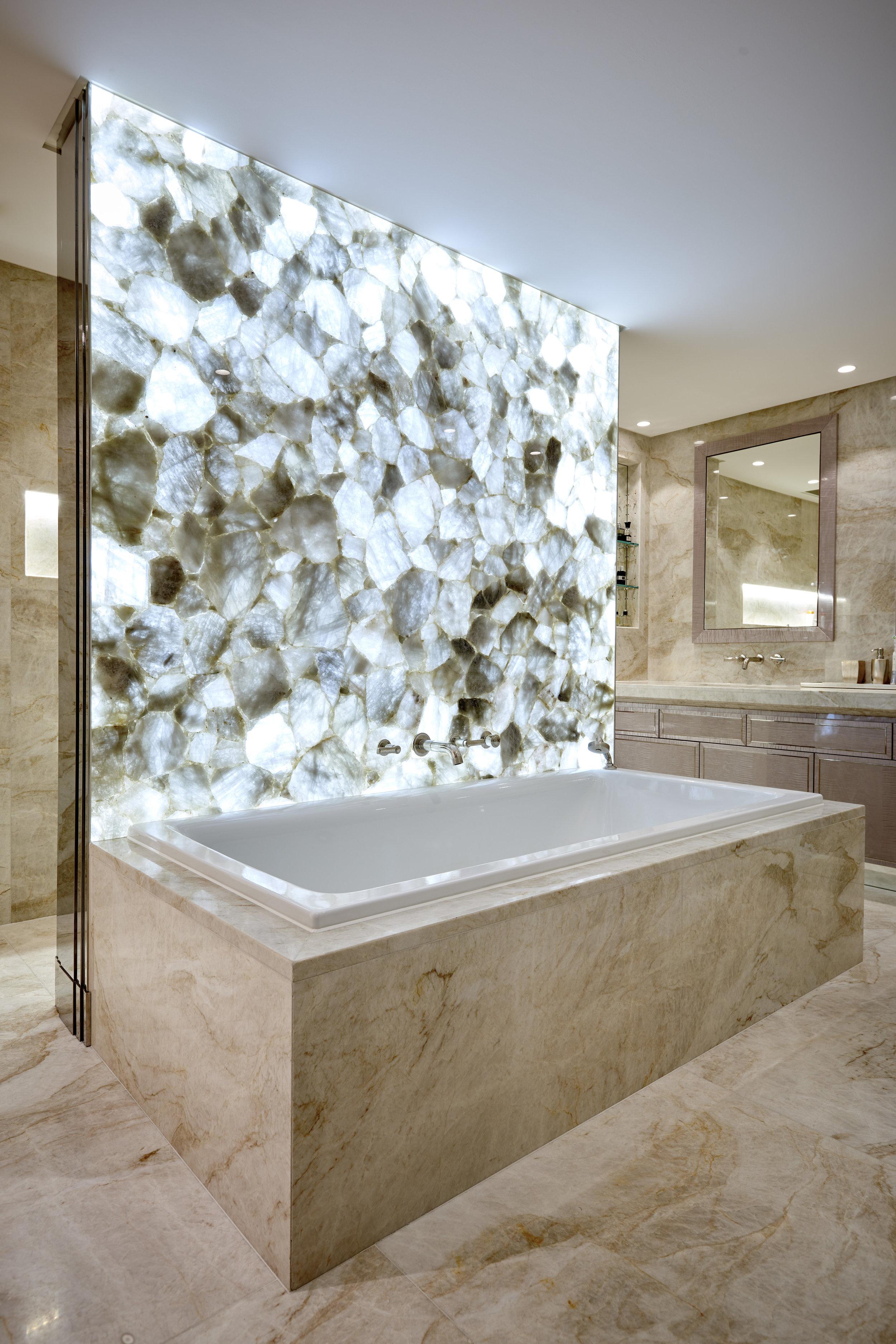 Main Bathroom_390_RT.jpg