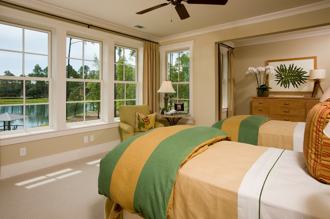 guest twin bed 1 (Copy).jpg