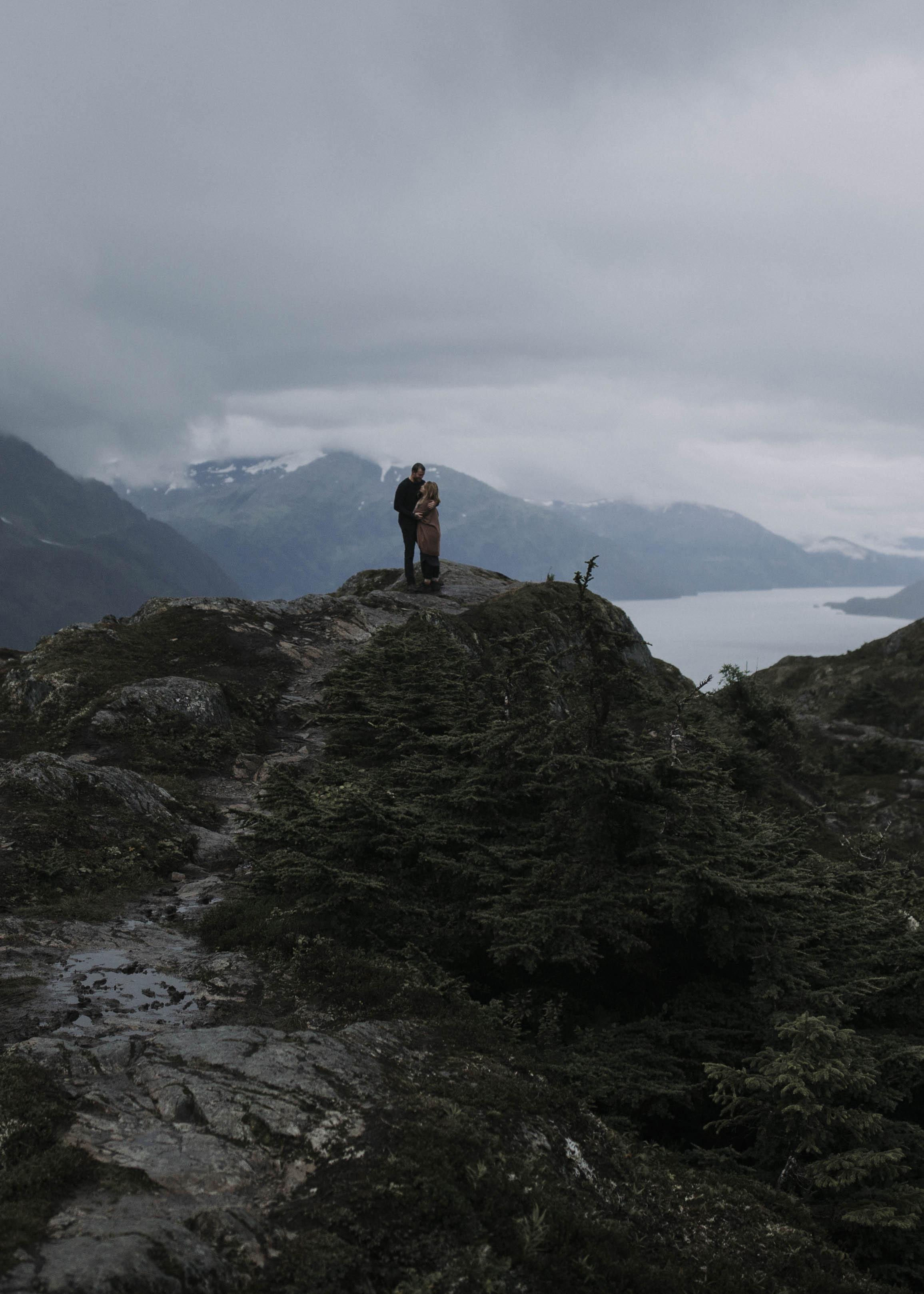 ariel-lynn-alaskan-mountain-couples-session-13.jpg