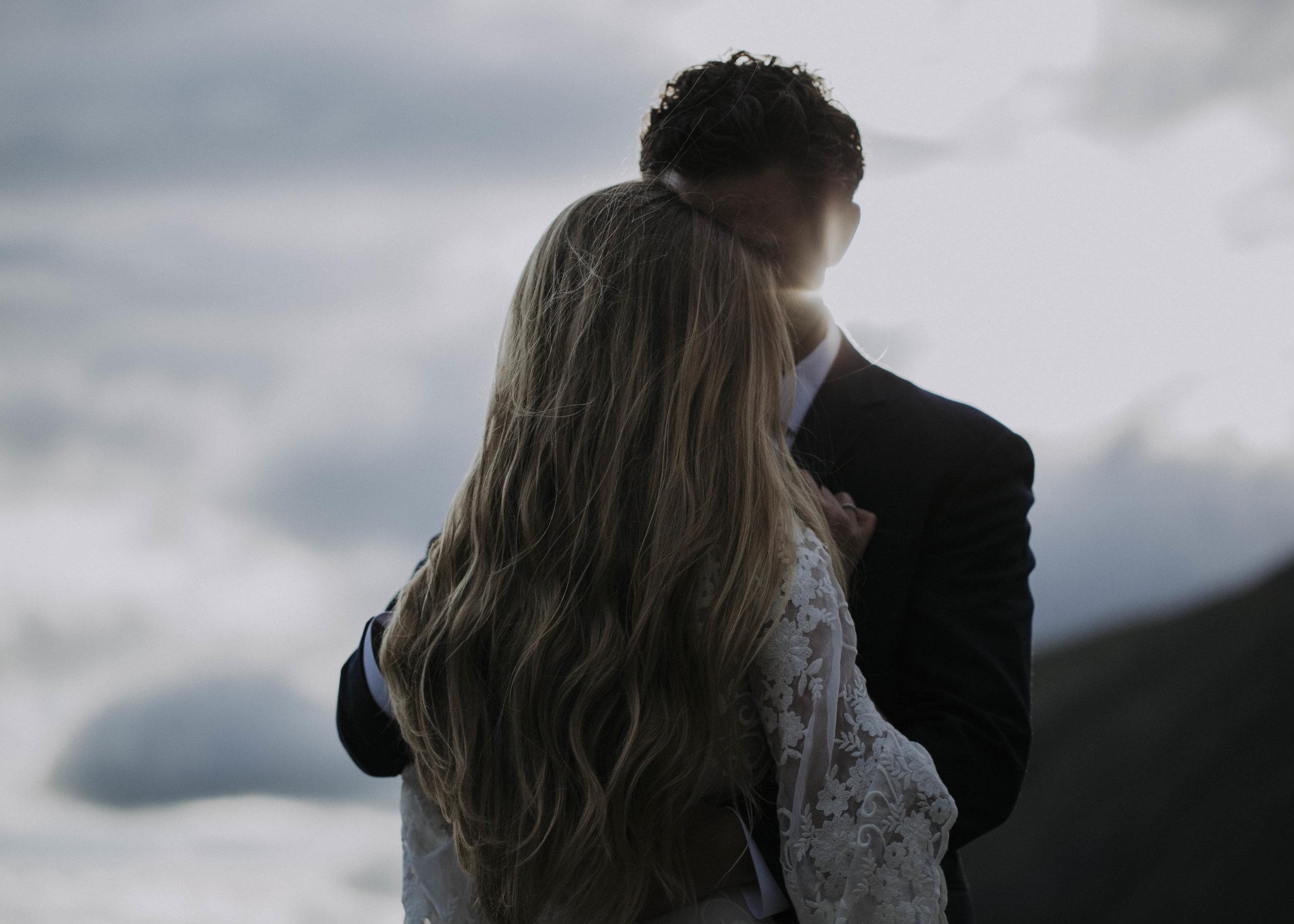 ariel-lynn-alaska-elopement-mountain-inspiration-31.jpg