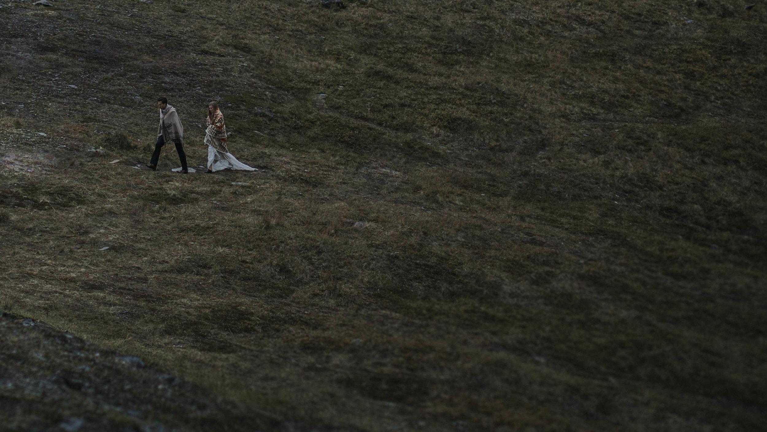ariel-lynn-alaska-elopement-mountain-inspiration-38.jpg