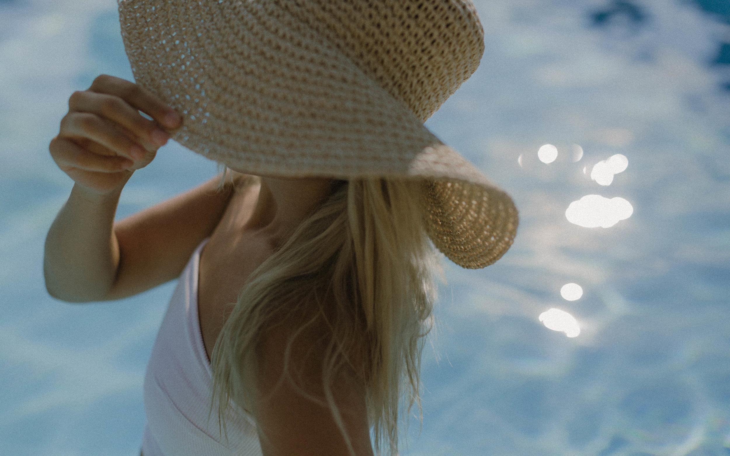 poolside-vintage-shoot-21.jpg