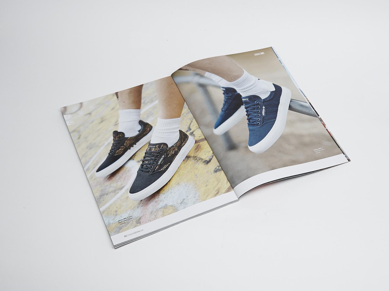 Coffes and Magazine64211.jpg