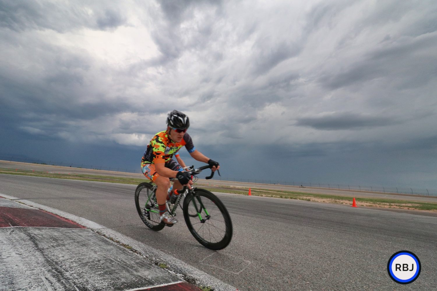 Andy Bennett at the Colorado Springs Community Crits. Photo courtesy of RBails Jeffrey Photography.
