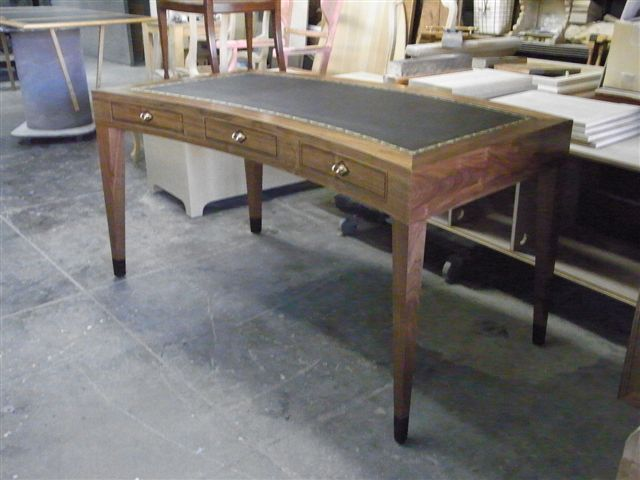 Cartlon desk ST 011.jpg