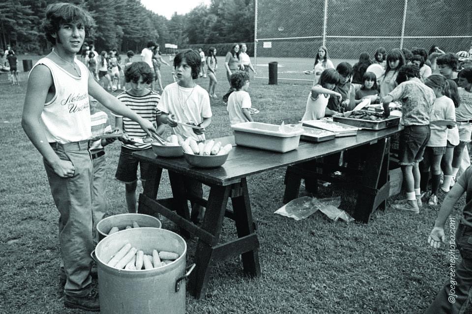 picnic 70s.jpg