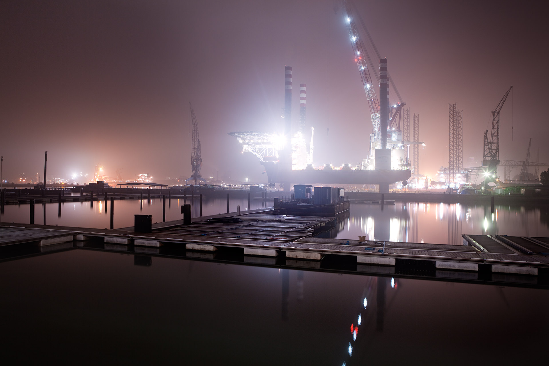 Nacht-landschap-amsterdam-gaven-boot-fotografie-water-kade.jpg