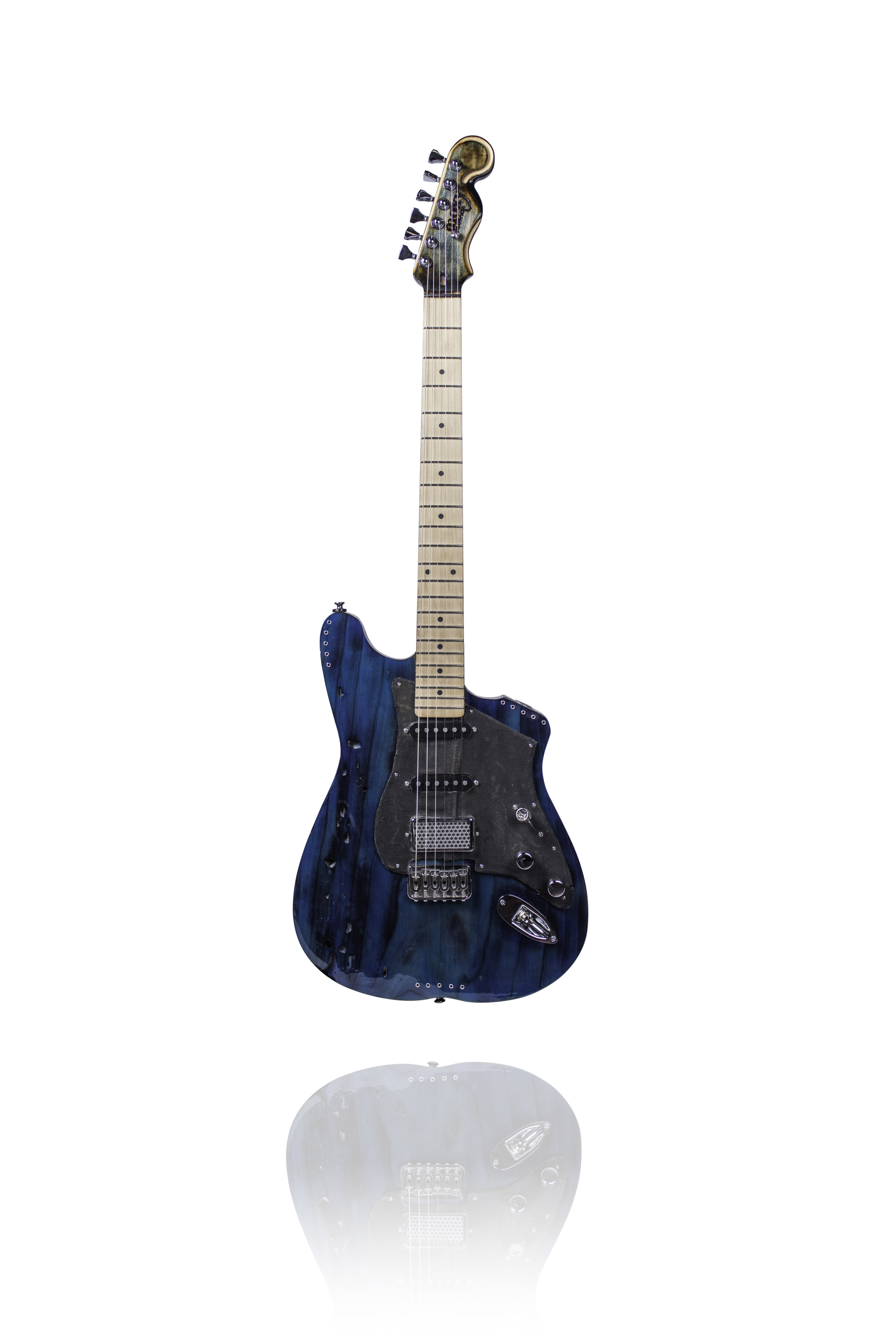 Moxy Guitars-2-1 copy.jpg