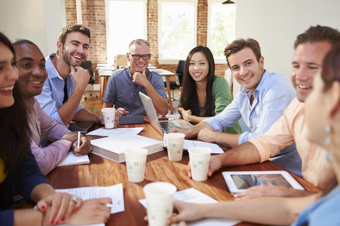 Aumenta el bienestar. Los equipos se sienten valorados y cuidados por la empresa  Incremento de la motivación y la satisfacción de los equipos  Mejora en el manejo del estrés.  Mejora de la comunicación y el ambiente de trabajo