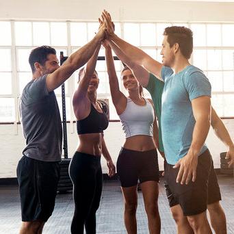 Actividad física centrada en romper el sedentarismo y mejorar el estado físico de los equipos.